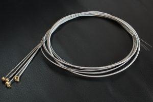 ベース弦の種類・交換方法