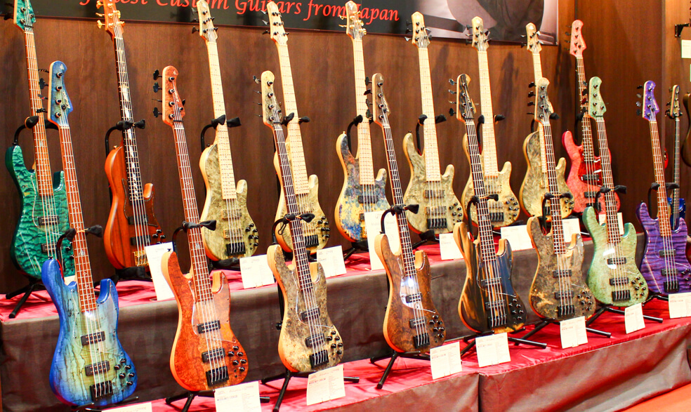 STR GUITARS